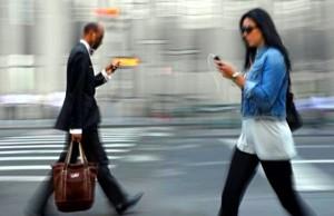 smartphone-walk